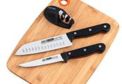 מאסטר סט - 2 סכינים + משחיז + לוח חיתוך - אריזת מתנה