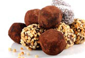 טרפלס - קוקוס / קקאו / סוכריות צבעוניות - 500 גרם כ - 20 כדורים